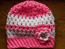 hačkovaná čiapka - ružovo biela
