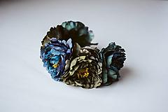 Ozdoby do vlasov - Tmavá kvetinová čelenka - VÝPREDAJ - 10540176_