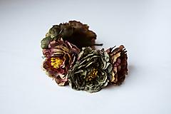 Ozdoby do vlasov - Tmavá kvetinová čelenka - VÝPREDAJ - 10540178_