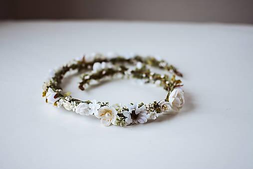 Biely romantický svadobný pletenec - VÝPREDAJ