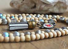 Náhrdelníky - Náhrdelník z drevených a sklenených korálok - 10539934_