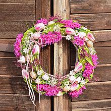Dekorácie - Veľkonočný venček s hyacintom a vajíčkami - 10542715_