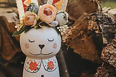 Dekorácie - Drevený veľkonočný zajačik - 10542988_