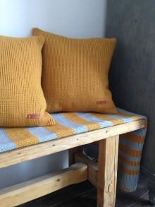 Úžitkový textil - pleteny vankus - 10542047_