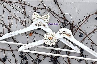 Nábytok - Svadobné vintage vešiačiky s ružami - 10544265_
