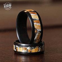 Prstene - drevená svadobná obrúčka - eben/pravý mamutí zub - 10543904_