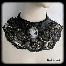 Náhrdelníky - Gotický náhrdelník s medailónikom - 10543559_