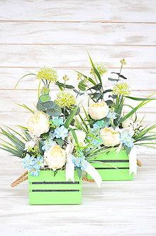 Dekorácie - zelený kochlík s kvetinami - 10548831_