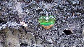 Náhrdelníky - Prívesok srdiečko zelené - 10546248_