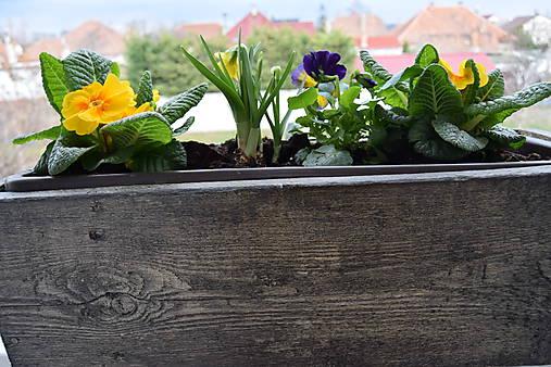 drevený kvetináč, debnička, hrantík