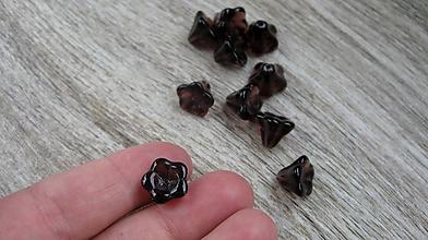 Korálky - Kvietky sklenené fialové,13 mm, 10 ks - 10547279_