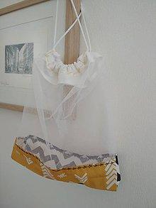 """Úžitkový textil - Bez obalu, nákupné vrecko stredné (Žlto-bielo-čierne,  """"arrows-chevron"""") - 10548996_"""
