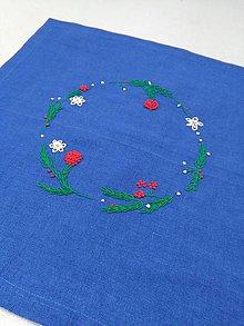 Úžitkový textil - Záhradná slávnosť (ručne vyšívaný ľanový obrúsok) - 10550543_