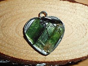 Náhrdelníky - turmalina verde-heart-turmalín - 10552701_