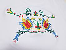 Tričká - Vyšívané dámske tričko s folklórnym motívom, krátky rukáv - 10550832_