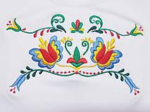 Tričká - Vyšívané dámske tričko s folklórnym motívom, krátky rukáv - 10550836_