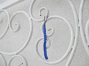 """Kľúčenky - Prívesok """"filofun"""" - pletenie z plastových káblikov (rovná, šikmá - tmavo+svetlomodrá) - 10551642_"""