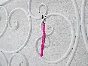 """Kľúčenky - Prívesok """"filofun"""" - pletenie z plastových káblikov (šikmá - fialovoružová) - 10551694_"""