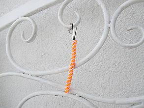 """Kľúčenky - Prívesok """"filofun"""" - pletenie z plastových káblikov (šikmá - bielooranžová) - 10551768_"""