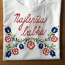 """Tričká - Folkové dámske maľované tričko (s nápisom """"Najlepšia babka"""") - 10549449_"""
