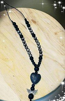 Iné šperky - Prívesok alebo amulet do auta na želanie s textom menom alebo dátumom aj farebne podla vašeho priania - 10555649_