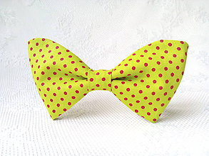 Náhrdelníky - Neon green bow tie with small red polka dots - 10556038_