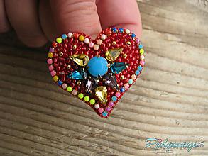 Odznaky/Brošne - Brošňa...vyšívané (Color heart) - 10555703_