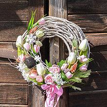 Dekorácie - Ružový jarný veniec - 10552930_