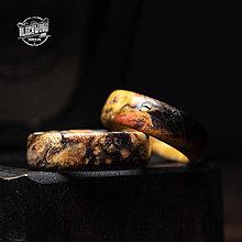 Prstene - Pár drevených obrúčok s krabičkou - 10554470_
