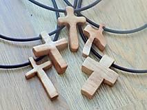 Náhrdelníky - Prívesok krížik bukový - 10554594_