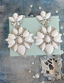Náušnice - Náušnice s bielymi kamienkami - 10554797_