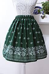 Suknička s ľudovým motívom zelená