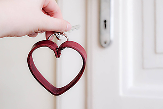 Kľúčenky - Kožená kľúčenka srdce - 10557226_