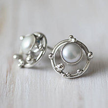 Náušnice - Strieborné napichovacie náušnice s perlami - Bokeh Pearl - 10561252_
