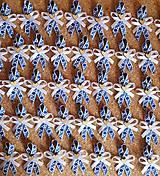Pierka - folklórne pierka modro-biele s dreveným srdiečkom (Modrá) - 10560715_
