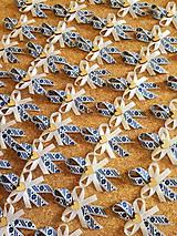 Pierka - folklórne pierka modro-biele s dreveným srdiečkom (Modrá) - 10560718_