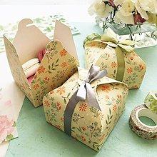 Darčeky pre svadobčanov - papierová škatuľka Letná lúka na darčeky alebo makarónky - 10561345_