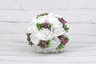 Kytice pre nevestu - Saténová kytica svadobná biela ruže a listy - 10561807_