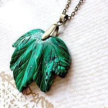 Náhrdelníky - Leaf Malachite Bronze Pendant / Prívesok s malachitom #2041 - 10563844_