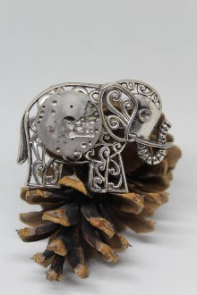 Odznaky/Brošne - Steampunková brož slon - s torzem strojku II. - 10565806_