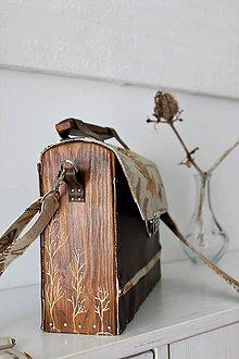 Kabelky - Drevená Kabelka gravírovaná Herbár - 10566017_