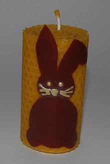 Svietidlá a sviečky - Točená sviečka so zajačikom - 10566105_