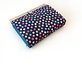 Peňaženka s priehradkami Bodky (hexagóny) na modrej
