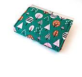 Peňaženky - Peňaženka s priehradkami Stromy na zelenej - 10563923_