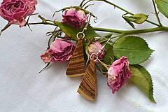 Náušnice - Náušnice - Agátové trojuholníčky - 10565230_
