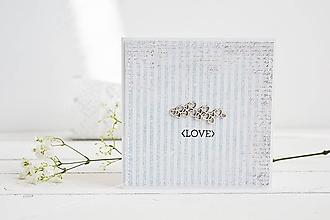 Papiernictvo - Svadobný pozdrav - srdiečka na modrej - 10567792_