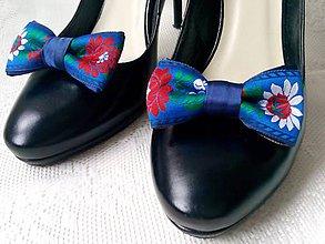 Obuv - Folklórne klipy na topánky (kráľovsky modré) - 10569853_
