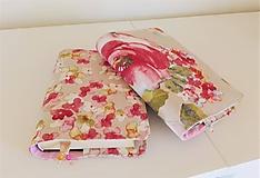 Papiernictvo - Obal na knihu so záložkou - rozkvitnutý strom, menšie kvety - 10569229_