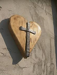Dekorácie - Kríž - Jeho biele srdce- - 10570085_