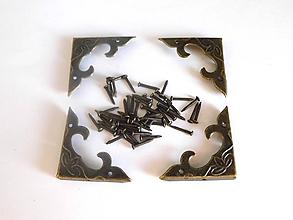 Iný materiál - Ozdobný roh na truhličky 30x30x4,5mm - starobronz - 10569193_